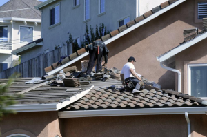 Read more about the article Benefits of Replacing Commercial Roofs