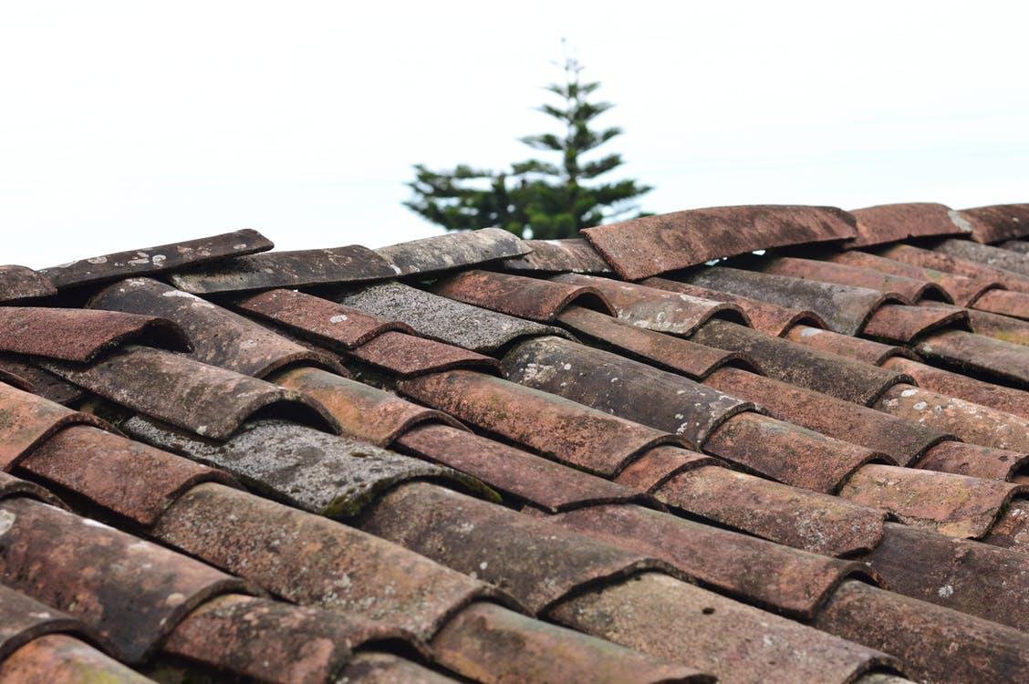 How to Clean Your Roof Shingles