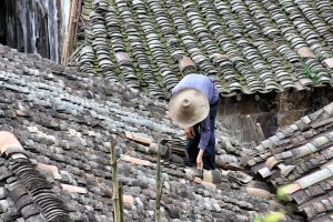 Read more about the article 5 Things That Can Happen If a Damaged Roof Is Neglected