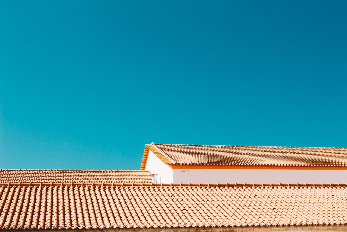 Flat or Pitched: Which is the better Roofing Option?