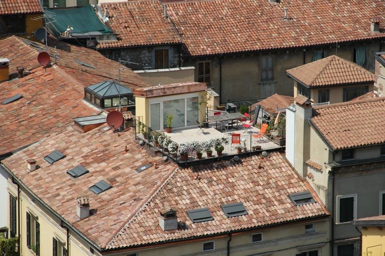 Read more about the article How Does Regular Roof Maintenance Benefits You