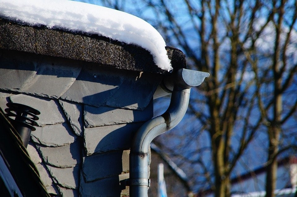 Simple Ways to Prevent Clogged Gutters